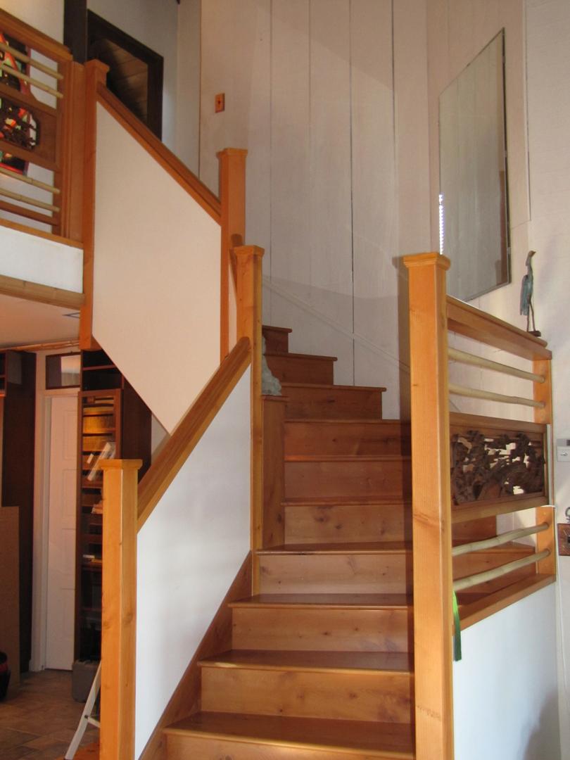 Space-saving winding stair